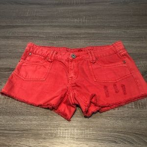 Velvet heart 28 red distressed shorts
